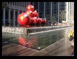 Liset and Concinha in New York Fifth Avenue Fountain at Christams